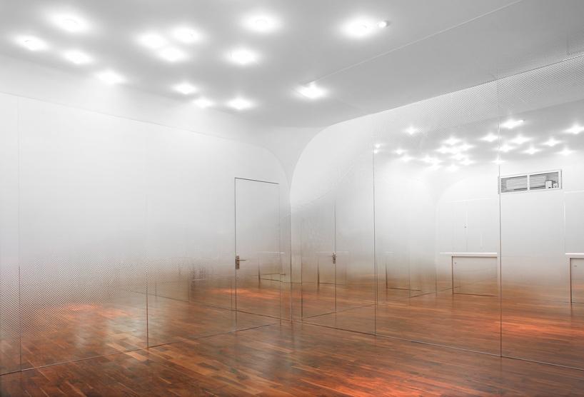 Yoshimasa Tsutsumi - Anzas Dance Studio 02