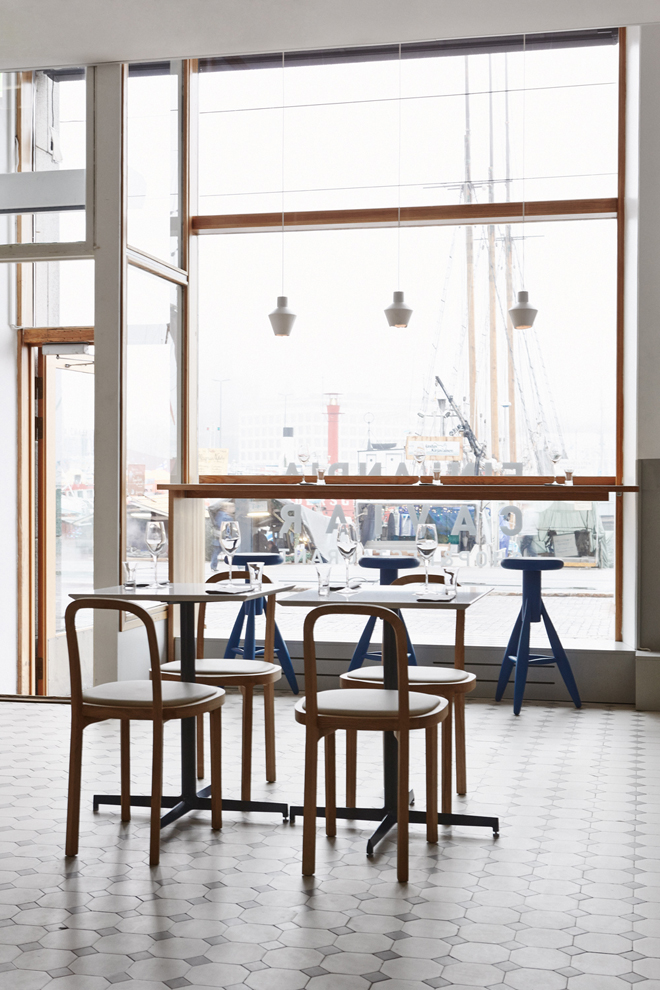 Finlandia Caviar Shop and Restaurant by Joanna Laajisto 03